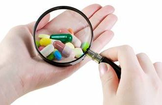 Dr. Armon Neel says statins, pills to lower cholesterol, pose risks.