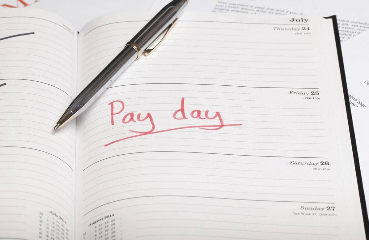 Calendar with pay day