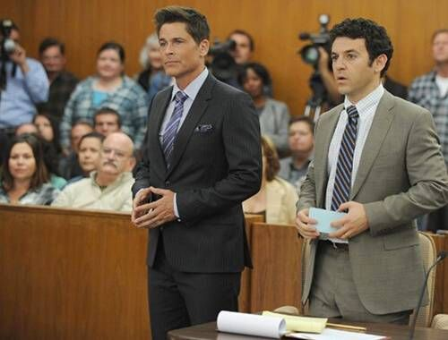 Rob Lowe and Fred Savage in The Grinder
