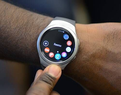 Close-up of the Reemo smart watch.