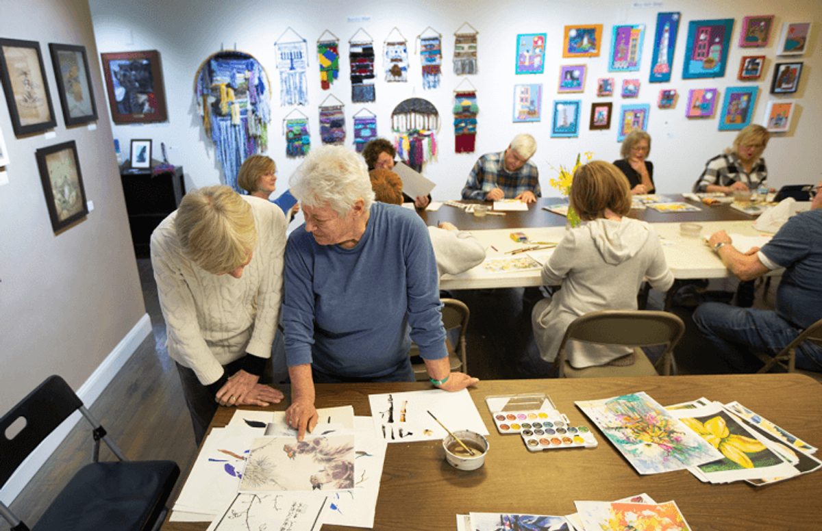 A longtime teacher, Bradley has led classes and workshops at art institutes, galleries, watercolor societies and other venues. Some of her students have become artists in their own right, and some have become art teachers, too.