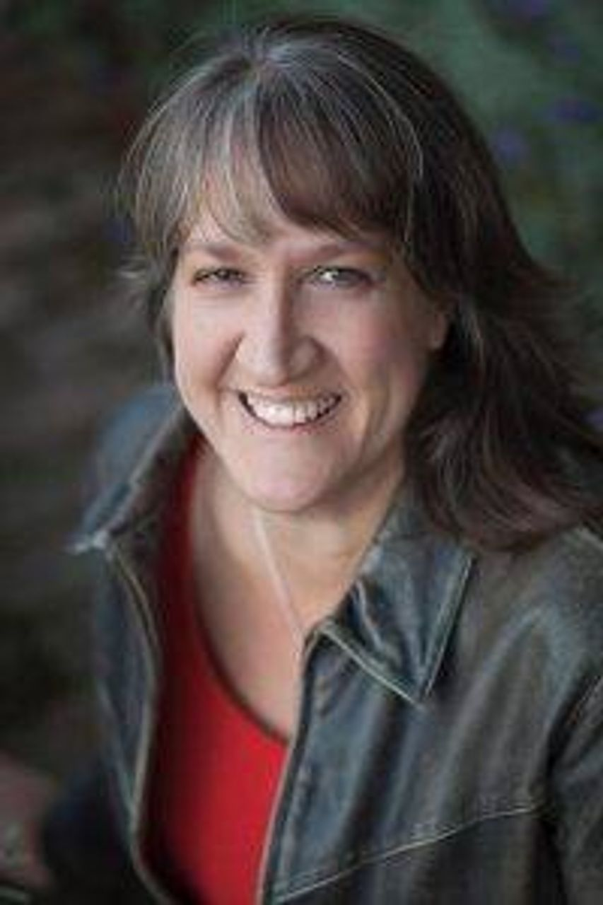Author Michelle Janning