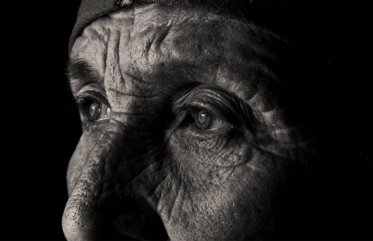 Black and white image of older woman