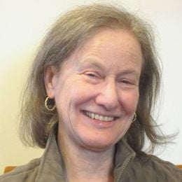 Photograph of Jill Smolowe