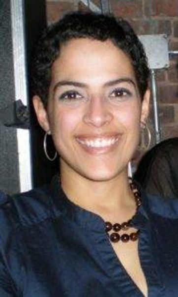 Leina Rodriguez, LMFT, at Refresh Psychotherapy in New York City