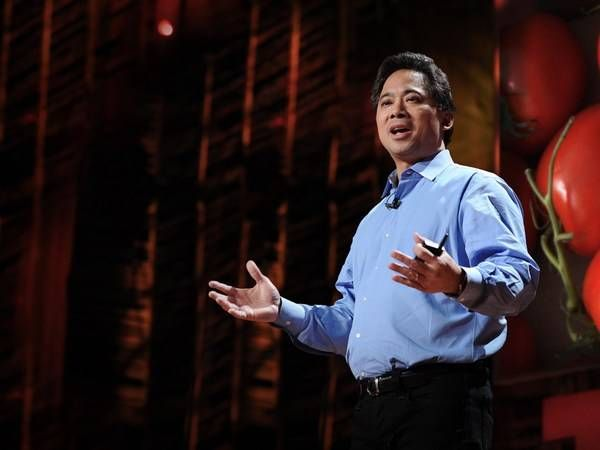 dr. william li giving a ted talk