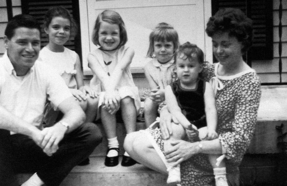 Elizabeth McGowan's old family photo. Next Avenue, melanoma, covid-19 vaccine