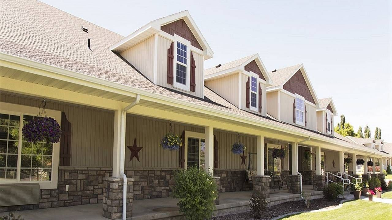 A row of assisted living homes on a sunny day. Next Avenue, senior living, independent living