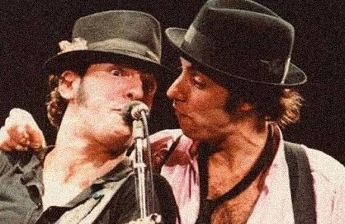 Bruce Springsteen and Stevie Van Zandt on stage singing into the microphone. Next Avenue, lilyhammer, Unrequited Infatuations