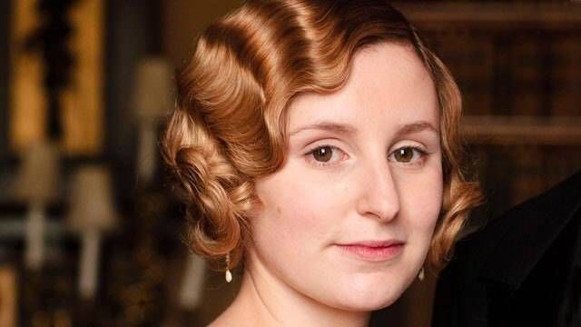 Don't you look dashing, Lady Edith!
