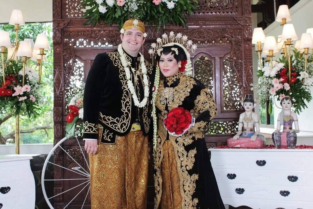 Sam and Azri at their wedding in Indonesia. REWIRE PBS love interreligious